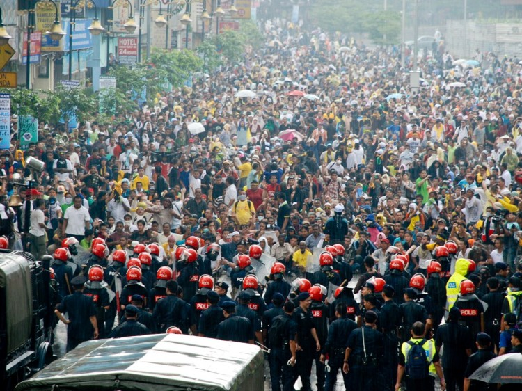 BERSIH RALLY: Bersih 2.0, an umbrella group comprised of 62 nongovernmental organizations, made eight demands for electoral reform. (James Chow/The Epoch Times)