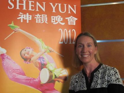 Samantha Simpson attends Shen Yun