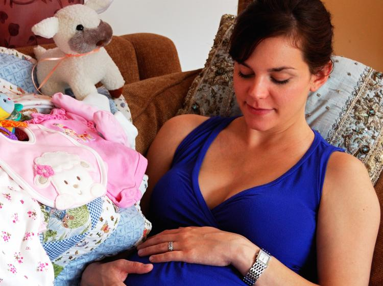 How a mother feels and handles stress during pregnancy will affect the baby both psychologically and physically.  (Cat Rooney/The Epoch Times)
