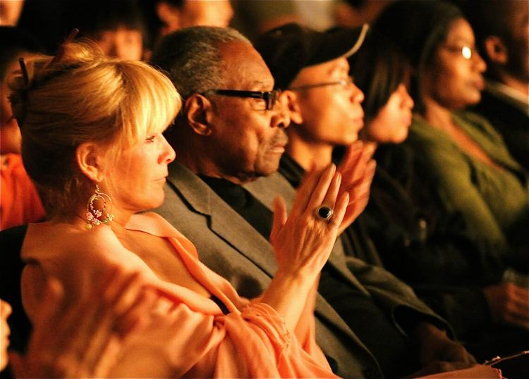 Lincoln Alexander, the first black Member of Parliament in Canada and a former Lieutenant Governor of Ontario, takes in the Saturday evening Shen Yun performance with his partner Marni Beal. (Gordon Yu/The Epoch Times)