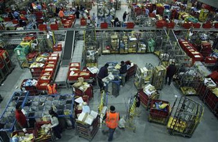 Royal Mail's sorting office in Filton, Bristol, one of the biggest in the UK, during the busiest 24hrs of the year on December 15, 2008.  (Matt Cardy/Getty Images)