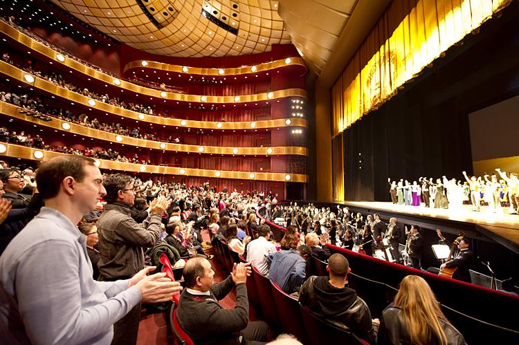Shen Yun Performing Arts New York Company receives a standing ovation from a sold-out house at Lincoln Center's David H. Koch Theater on Sunday Jan. 16, 2011. (Dai Bing/Epoch Times Staff)