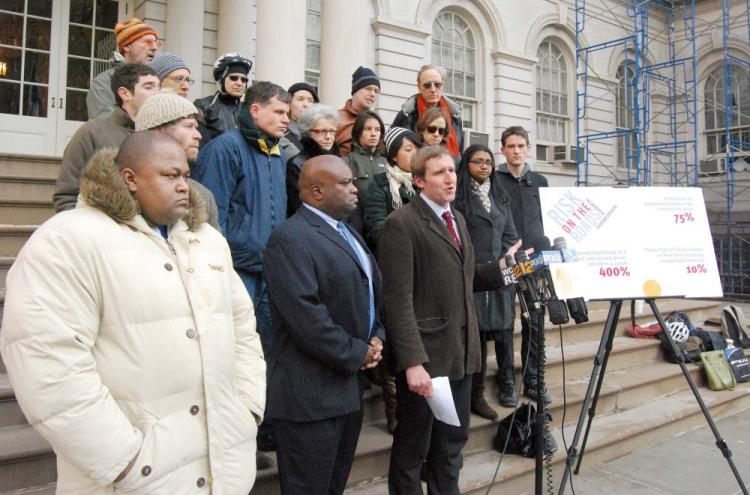 Transportation Alternatives Executive Director Paul Steely White (C) called on state Legislature, Mayor Bloomberg, and Police Commissioner Kelly to enforce stricter laws and penalties on drivers with repeated misconducts at a press conference at City Hall (Catherine Yang/The Epoch Times)