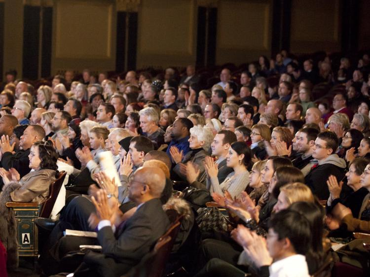 The Detroit audience greeted Shen Yun Performing Arts very warmly.  (Edward Dai/The Epoch Times)