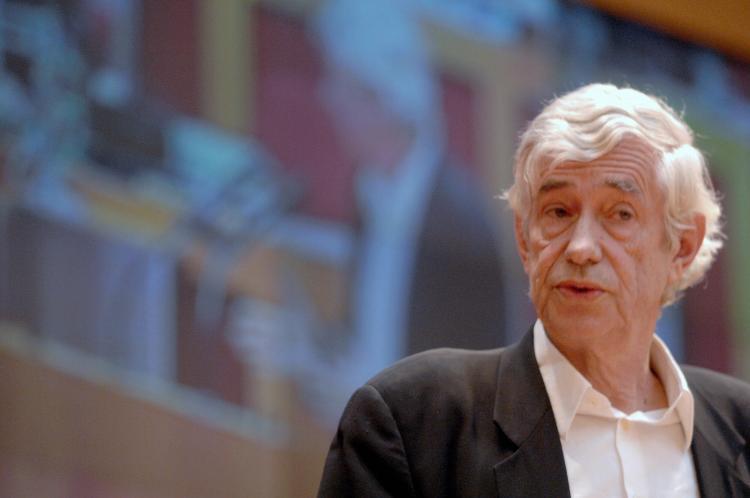 File photo of Czechoslovakia-born British architect Jan Kaplicky. (Michal Cizek/AFP/Getty Images)