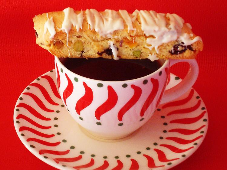 CRISPY ITALIAN COOKIE: A light dessert to serve with coffee and tea.  (Sandra Shields/The Epoch Times)