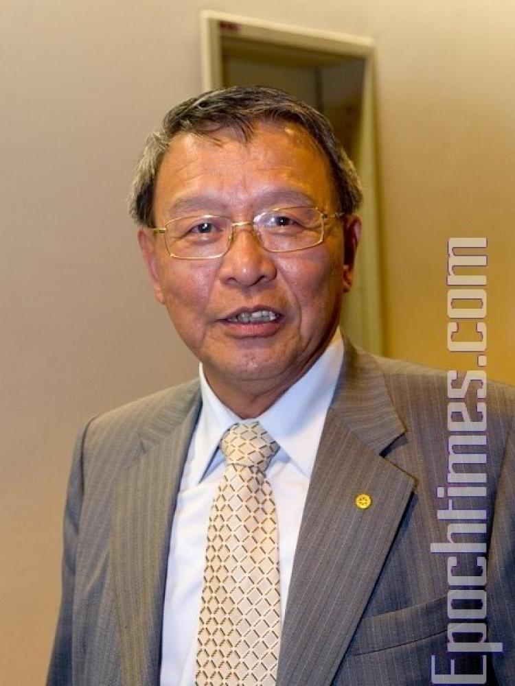 Mr. Lin, chairman of a public company. (Tang Bin/The Epoch Times)