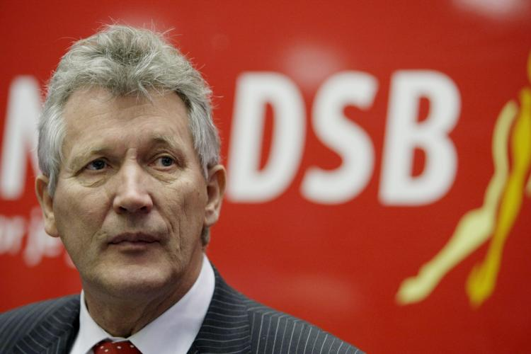 Chief executive officer (CEO) of DSB bank Dirk Scheringa prepares to address a press conference at the DSB headquarters in Wognum on October 19, 2009. (Rick Nederstigt/AFP/Getty Images)