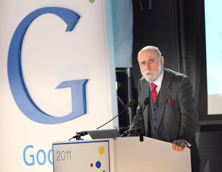 SCIENCE FAIR: Google vice president Vint Cerf spoke at the inaugural Google Science Fair at the Google offices on Tuesday. The science fair is open to students 13-18 years old from around the world.  (Gary Du/The epoch Times)