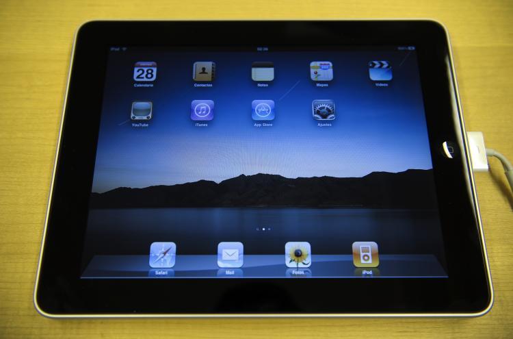IPAD INSOMNIA: Using iPads before sleep may cause sleep disturbances. (Josef Lago/AFP/Getty Images)