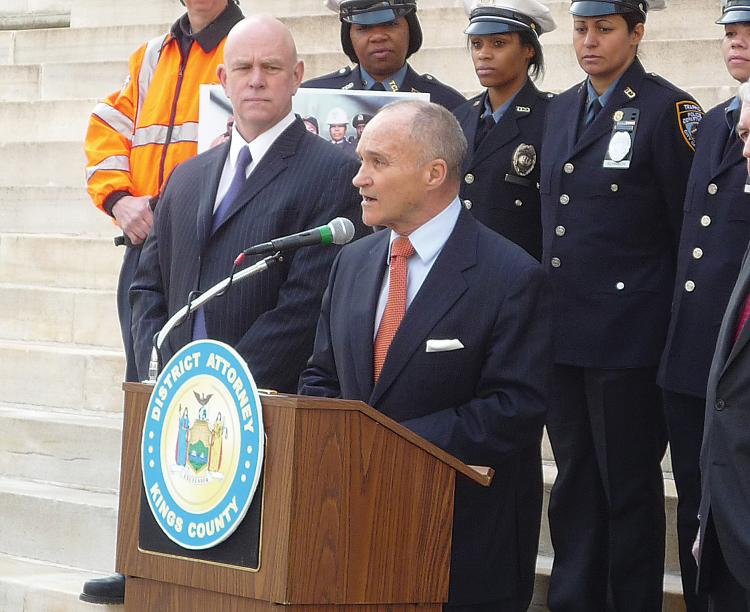 Police Commissioner Ray Kelly speaks out against violence against traffic and sanitation officers. (Christine Lin/The Epoch Times)