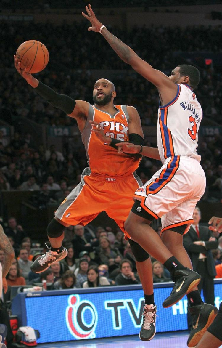 Vince Carter of the Phoenix Suns passed the 20,000 career points mark on Monday against the New York Knicks. (Nick Laham/Getty Images)