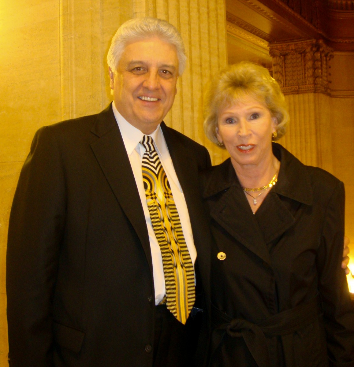 Mark Ullan, founder and CEO of Unique Solutions, and his wife Joyce enjoyed Shen Yun Performing Arts on April 21 at Chicago's Civic Opera House.(Paul Darin/The Epoch Times)