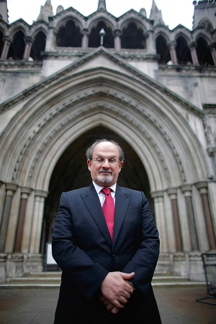 Sir Salman Rushdie, an Index on Censorship contributor, stands in front of the High Court in London before a hearing on a libel settlement, August 26, 2008. (Daniel Berehulak/Getty Images)