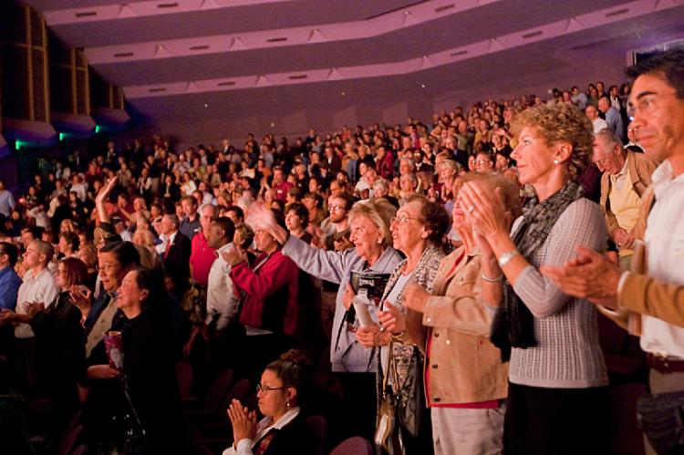 The audience at the closing DPA show in Sarasota rises to applaud the cast at curtain call.  (Mark Zou/The Epoch Times)