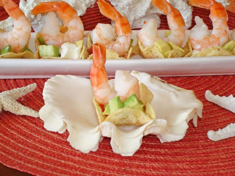 Quick and easy to prepare, these tasty prawn and salsa morsels can be assembled as guests arrive. (Sandra Shields/The Epoch Times)