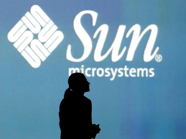 Sun Microsystems CEO Jonathan Schwartz delivers a keynote address at the 2006 Oracle OpenWorld conference in San Francisco, California.    (Justin Sullivan/Getty Images)