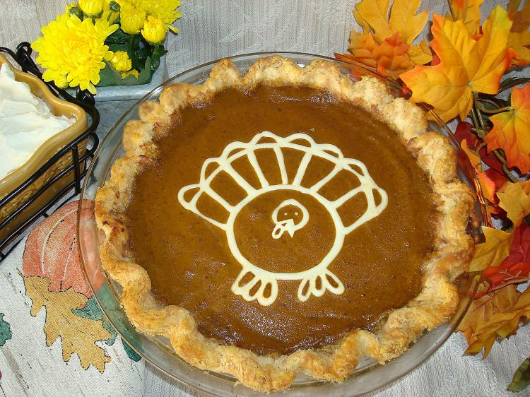 HOLIDAY FAVOURITE: A unique twist for this pumpkin pie is a picture of a turkey outlined on top before baking. (Sandra Shields/The Epoch Times)