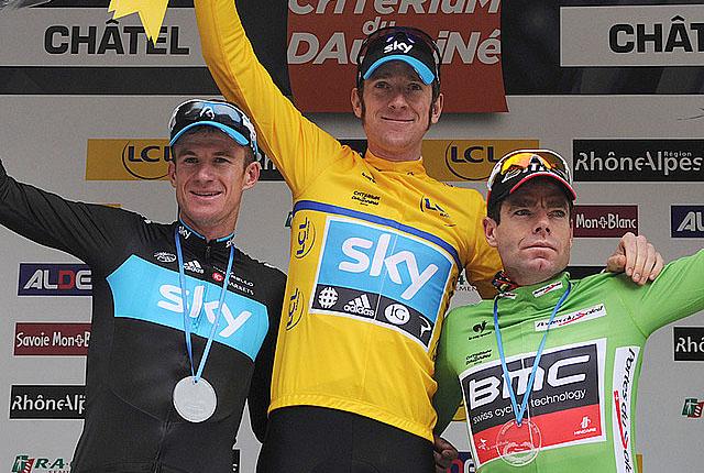 Sky's Bradley Wiggins (yellow) shares the Critérium du Dauphiné podium with teammate Michael Rogers (L) and BMC's Cadel Evans. (teamsky.com)