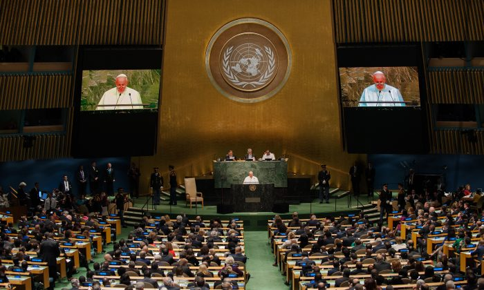 Pope Francis addresses the U.N. General Assembly in New York City on Sept. 25, 2015. (Bryan Thomas/Getty Images)