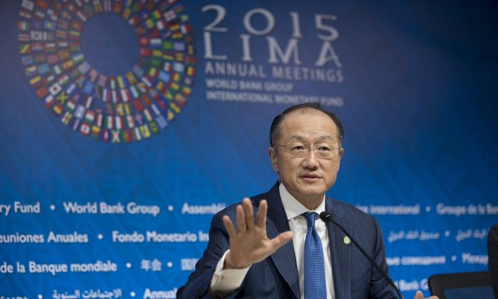 World Bank President Jim Yong Kim speaks during a press conference in Lima, Peru, Thursday, Oct. 8, 2015. The world's finance ministers and central bankers were in Lima for the joint annual meetings of the World Bank and IMF that ran through Sunday. (AP Photo/Rodrigo Abd)