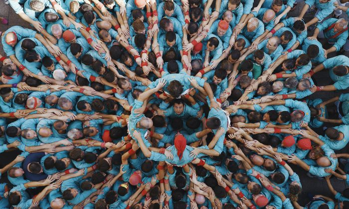 Castellers in Vilafranca del Penedès, Catalonia, Spain. (© HUMANKIND Production – all rights reserved)