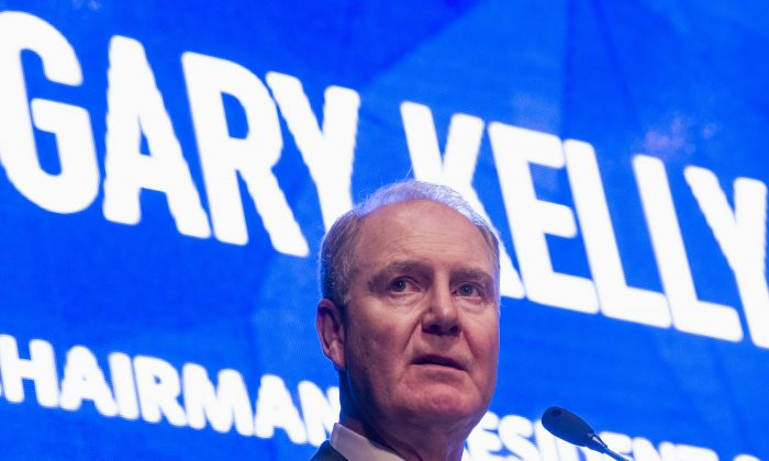 Southwest Airlines CEO Gary Kelly speaks during an event on Sept. 28, 2015. (Cliff Owen/AP Photo)