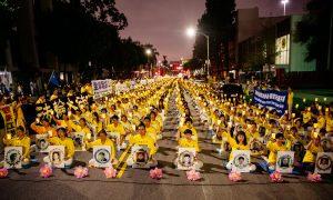 Candlelight Vigil in Los Angeles Calls for End to Persecution of Falun Gong