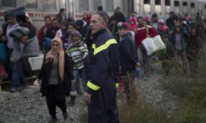 Hungary to Close Border With Croatia to Migrants Overnight