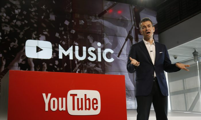 "Robert Kyncl, YouTube Chief Business Officer, speaks about music as YouTube unveils ""YouTube Red,"" a new subscription service, at YouTube Space LA offices on Wednesday, Oct. 21, 2015. (AP Photo/Danny Moloshok)"