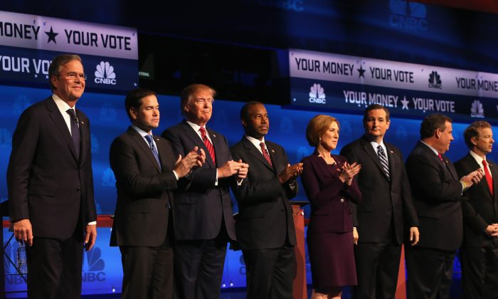 Presidential candidates Jeb Bush (L-R), Sen. Marco Rubio (R-FL), Donald Trump, Ben Carson, Carly Fiorina, Ted Cruz (R-TX), New Jersey Governor Chris Christie, and Sen. Rand Paul (R-KY) take the stage at the CNBC Republican Presidential Debate at University of Colorados Coors Events Center in Boulder, Col., on Oct. 28, 2015. (Justin Sullivan/Getty Images)