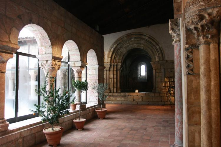 CUXA CLOISTER: The Cuxa Cloister, at the heart of the Metropolitan Museum of Art's Cloisters. A typical cloister garden is surrounded by 12th century elements from the Benedictine monastery of Saint-Michel-de-Cuxa in the Pyrenees. (Tara MacIsaac/The Epoch Times)