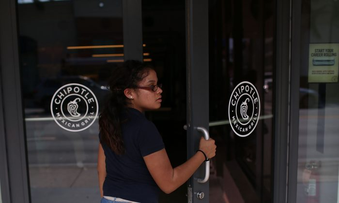 A customer at the Chipotle restaurant in Miami, Fla., on April 27, 2015. (Joe Raedle/Getty Images)