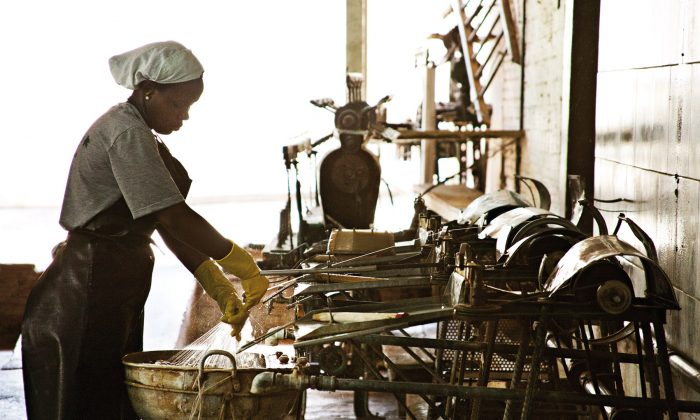Artisans hand-weaving organic silk in the state of Paraná, South of Brazil.