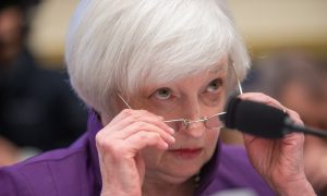 Yellen: December Interest Rate Hike a 'Live Possibility'