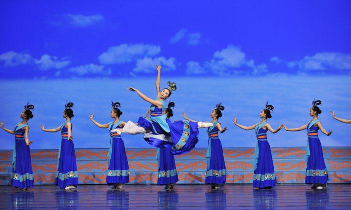 Shen Yun during the 2012 season. (Courtesy of Shen Yun Performing Arts)