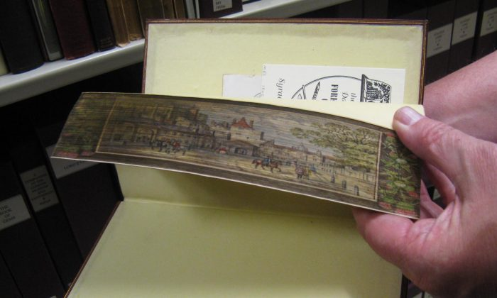 A fore-edge painted book. (Laura HB/CC BY 2.0)