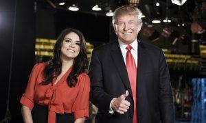 Hosting 'SNL,' Donald Trump Fends Off Mock Heckler