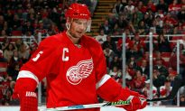 Exemplary Red Wing Lidstrom Inducted Into Hockey Hall of Fame