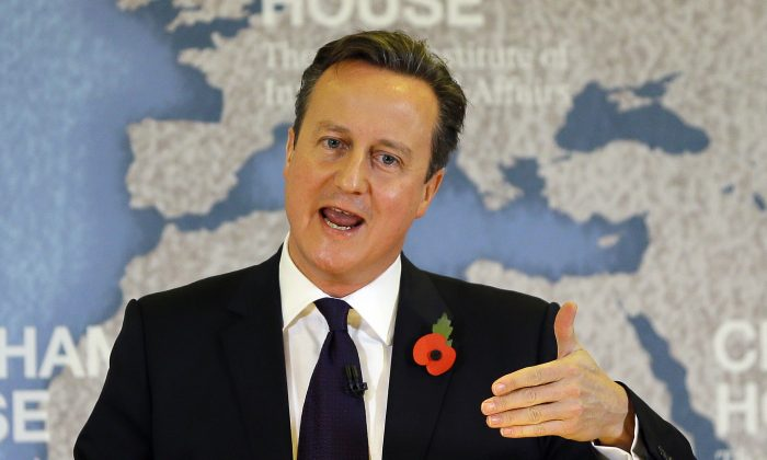 Britain's Prime Minister David Cameron delivers a speech on EU reform and the UK's renegotiation, at Chatham House in London, Tuesday, Nov. 10, 2015. (AP Photo/Kirsty Wigglesworth, pool)