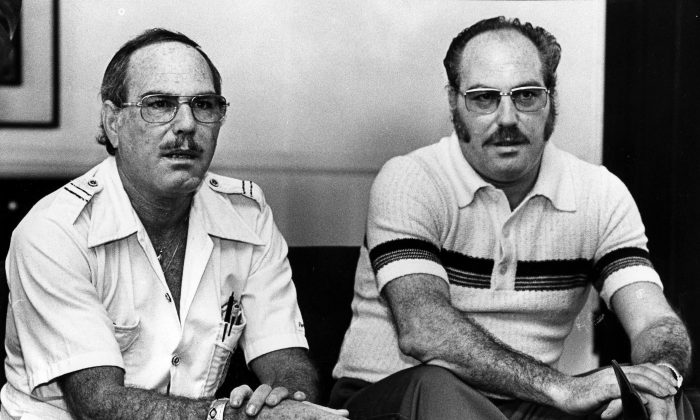 In this Nov. 25, 1979 photo, Jack Yufe (L) and his twin brother, Oskar, look on. (Robert Lachman/Los Angeles Times via AP)