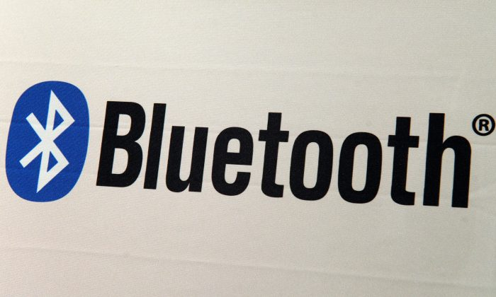 A Bluetooth logo is seen at the 2013 International CES at the Las Vegas Convention Center on January 8, 2013 in Las Vegas, Nevada. (David Becker/Getty Images)