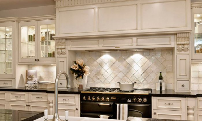 Kitchen renovations allow for custom features. (Eieihome.com)