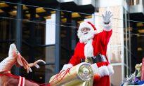 Photo Gallery: Toronto Santa Claus Parade
