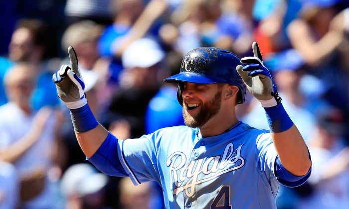 Four-time Gold Glove outfielder Alex Gordon is a free agent and it's no gimme that the Kansas City Royals will be able to re-sign him. (Jamie Squire/Getty Images)