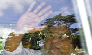 Bangladesh Executes 2 Opposition Leaders for War Crimes