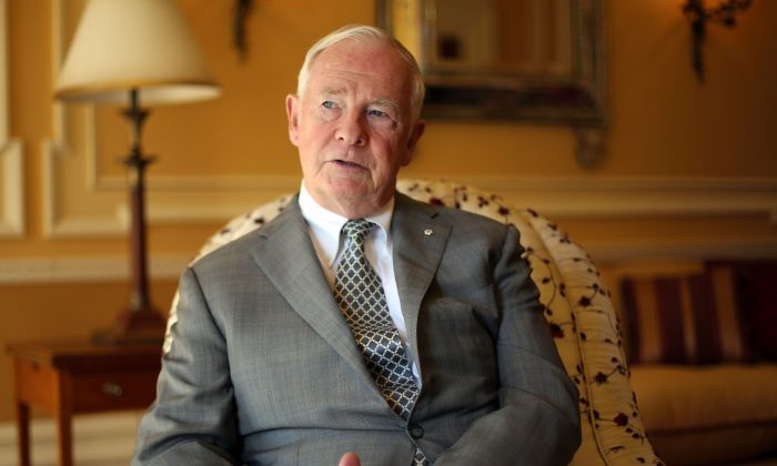 Gov. Gen. David Johnston at Rideau Hall on Oct. 9, 2013. Johnston is urging Canadians to warmly welcome the influx of Syrian refugees, while federal officials will start holding weekly briefings on resettlement project. (The Canadian Press/Fred Chartrand)