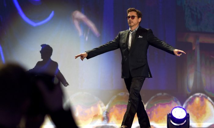 Robert Downey Jr. at the Palm Springs International Film Festival Film Festival Awards Gala in Palm Springs, Calif., on Jan. 3, 2015. (Michael Buckner/Getty Images for PSIFF)