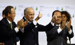 Historic Pact to Slow Global Warming Is Celebrated in Paris