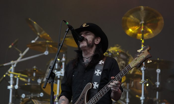 Lemmy Kilmister of Motorhead performs on stage during the Ansan Valley Rock Festival on July 26, 2015 in Ansan, South Korea.  (Photo by Chung Sung-Jun/Getty Images)